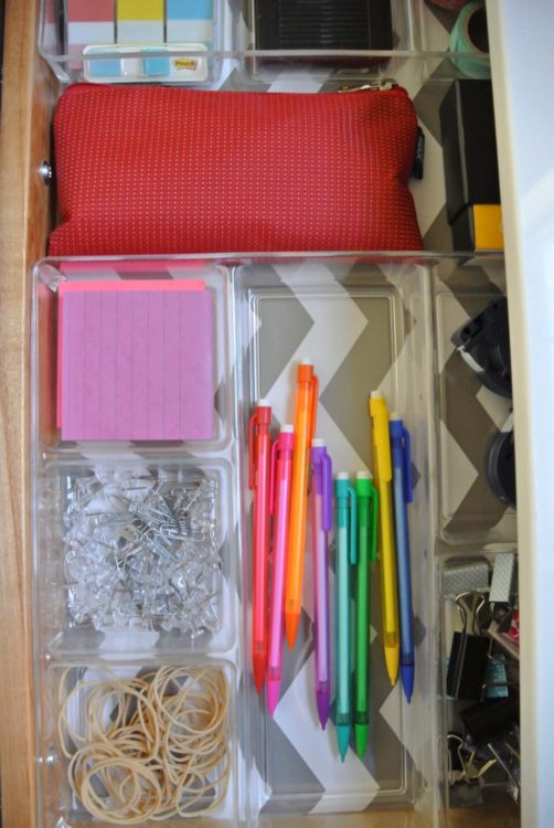 organized-drawer-in-desk-1