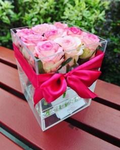 Акриловый бокс на 9 роз