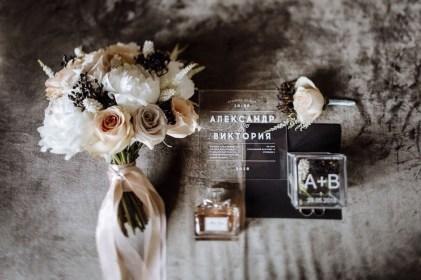 Изделия из акрила на свадебный декор