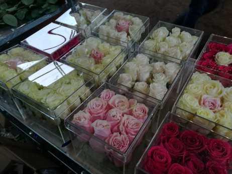 Акриловые боксы для роз