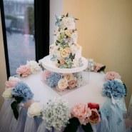 Прозрачная подставка под торт