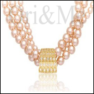 madeleine-pearl-necklace