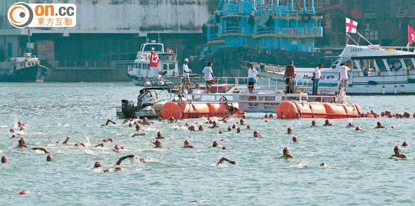 維港泳後年擬回歸「尖中」 - 東方日報