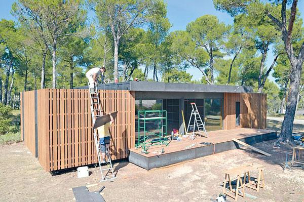 綠色先鋒:4日建成環保屋 - 東方日報