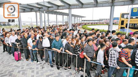 高鐵大橋效應 直通車客量跌38% - 東方日報