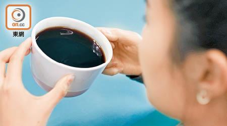 咖啡因飲料日喝逾5杯恐中毒 - 東方日報