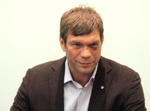 Ukraine's presidential candidate Oleg Tsarev in Donetsk the next day after the incident.