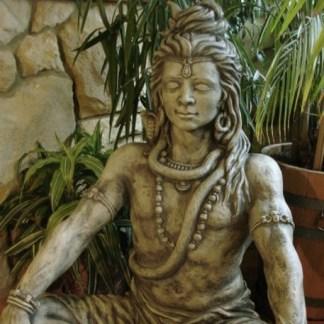 Gott Shiva sitzend
