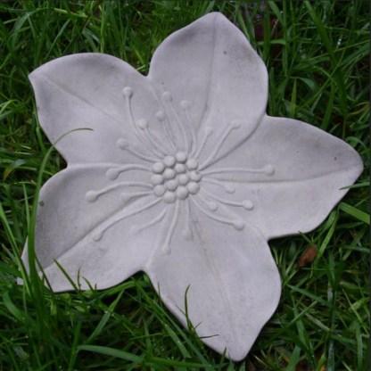 Klassiker Schale in Blütenform - Klassiker Schale in Blütenform