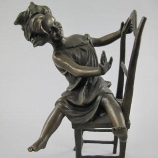"""Bronze Figur Mädchen auf Stuhl 2 - Bronze Figur """"Mädchen auf Stuhl 2"""" 23cm"""