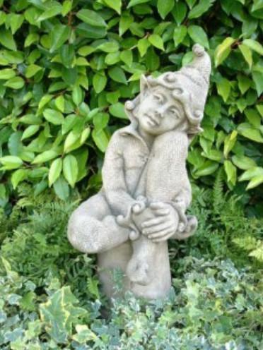 Elfe Jenny träumend © BY FIONA SCOTT2