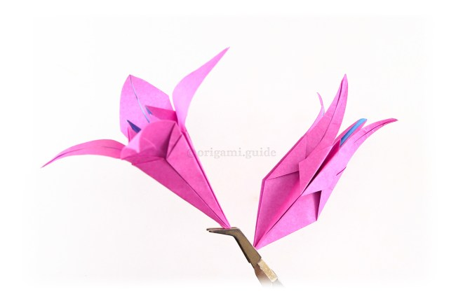 You can attach the lily bud and lily flower on to your stems in this configuration.