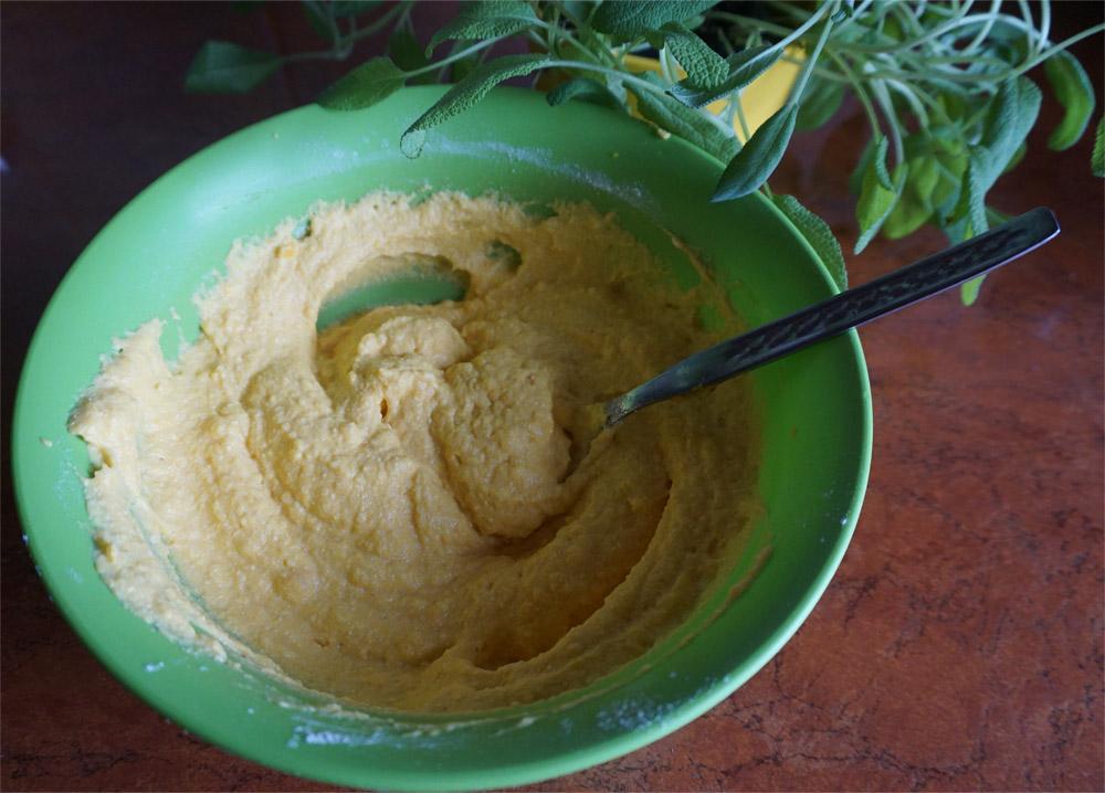 Przepis na kluseczki dyniowe z masłem szałwiowym