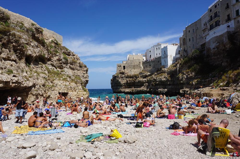 Zwiedzanie Apulii - co warto zwiedzić - Lama Monachile Cala Porto - Polignano a Mare