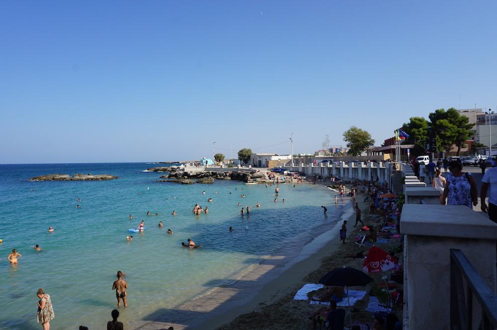 Zwiedzanie Apulii - co warto zobaczyć - plaża w Monopoli