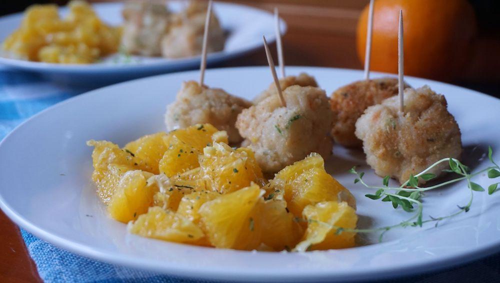 Przepis na Pulpety z krewetek z egzotyczną sałatką z pomarańczy