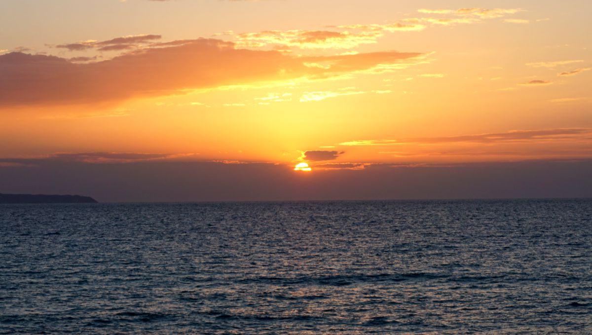 Co zobaczyć na Korfu? Najpiękniejsze miejsca zachód słońca na Loggas beach