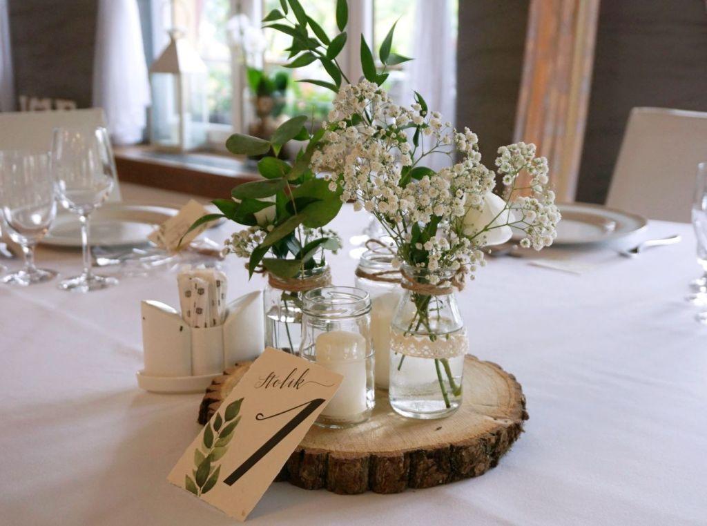 DIY Rustykalne dekoracje na stole wesele