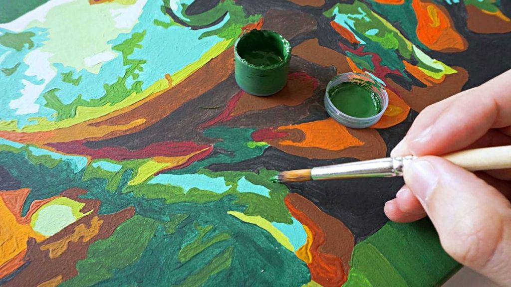 Samodzielne malowanie obrazu farbami akrylowymi