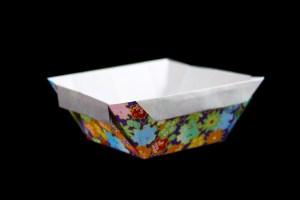 お皿にも箱にもなる便利な容器《折り紙》折り方