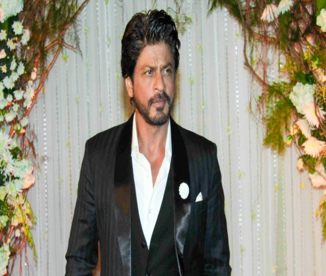 Nobody Dare Misbehave With Women On My Set Said Srk