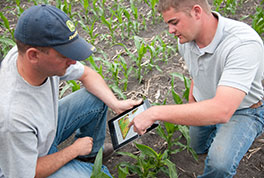 Mobile Farm Manager makes it easy to share secure agronomic information with ag service providers, farm managers and other advisors.