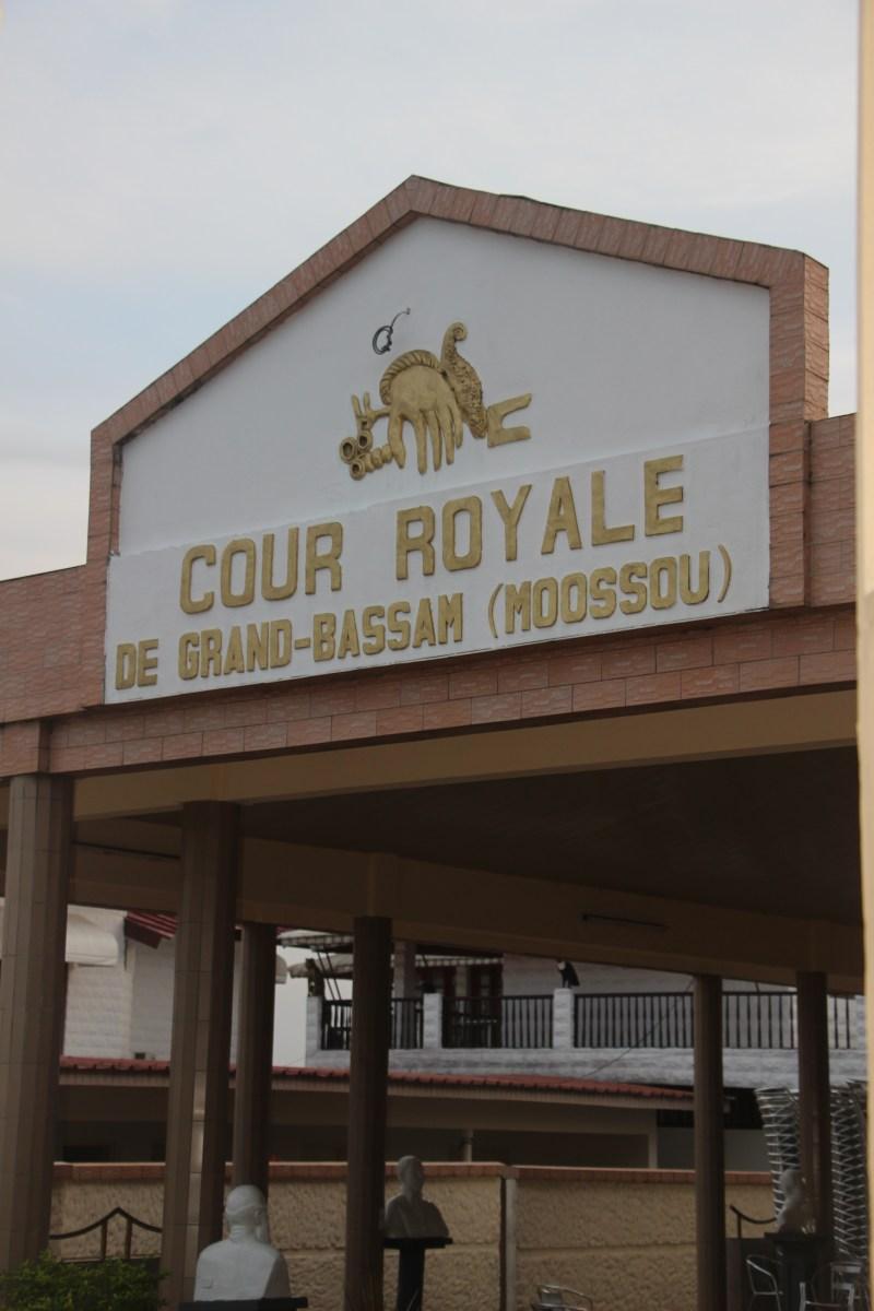 Visite de la Cour Royale de Moossou à Grand Bassam (CIV)