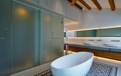 5 stunning bathroom backsplash design and Decor Ideas