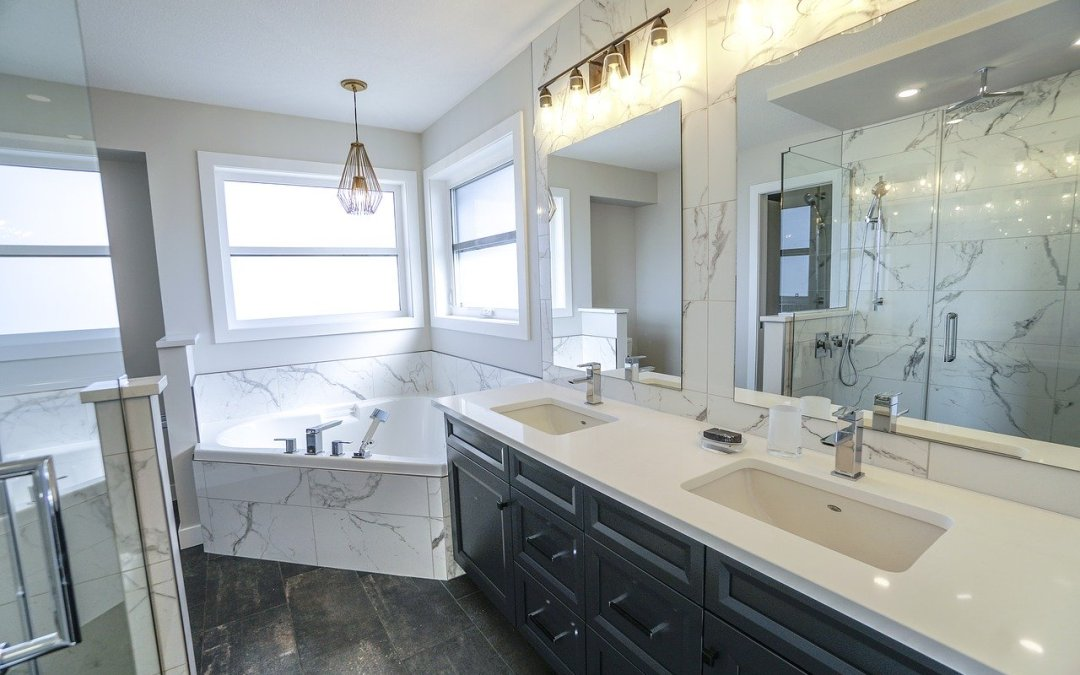 12 Elegant Marble Tile Bathroom Ideas