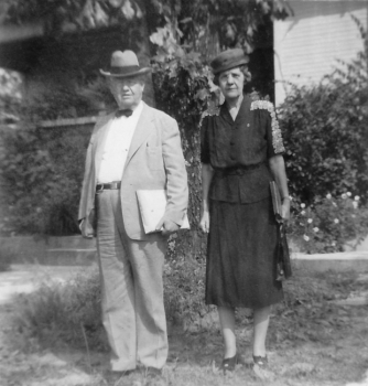 Paine Denson and Ruth Denson Edwards (ca. 1945–1950).