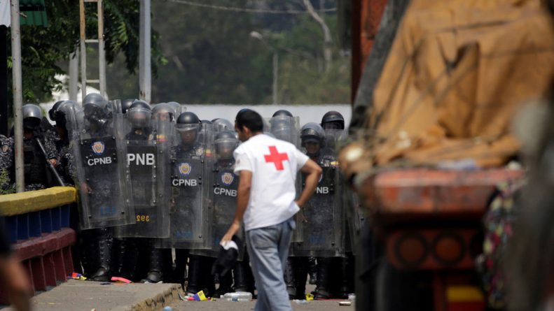"""Red Cross Denounces Unsanctioned Use of its Emblems to Smuggle US """"Aid"""" to Venezuela"""