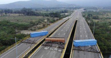 Diosdado Cabello to Marco Rubio: Las Tienditas Bridge has Never Entered into Operation