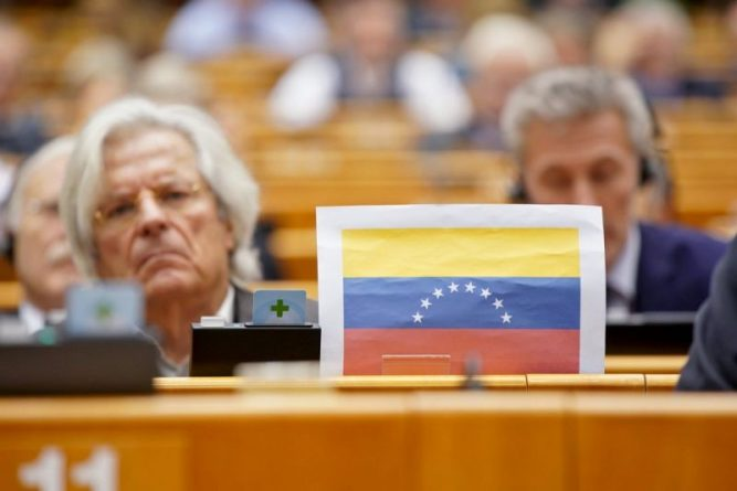 Venezuela and the Setbacks of the Latin American Left: What Does it all Mean? (Interview with Steve Ellner)