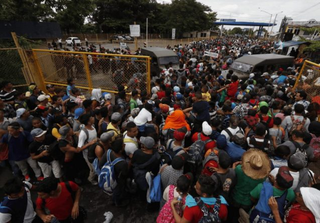 More Than 500 Hondurans are Detained Daily at the Mexican Border