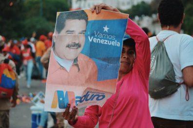 Chavista near Miraflores at the end of Maduro's speech