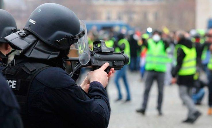 Francia-Represión.jpg