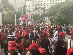 Chavistas near Miraflores at the end of Maduro's speech