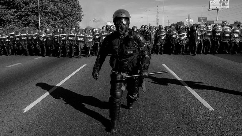 """Police Repression is """"Brutal"""" Only if it Happens in Caracas"""