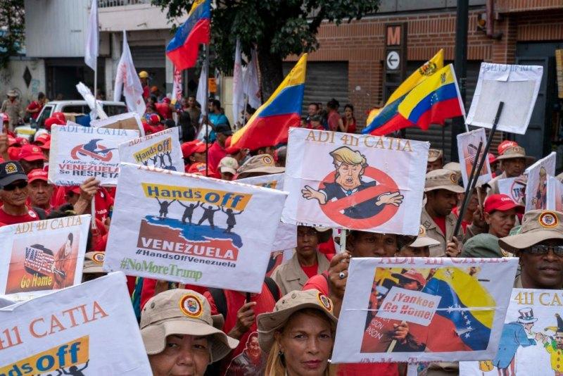 Venezuela-no-more-Trump-protest-signs.jpg