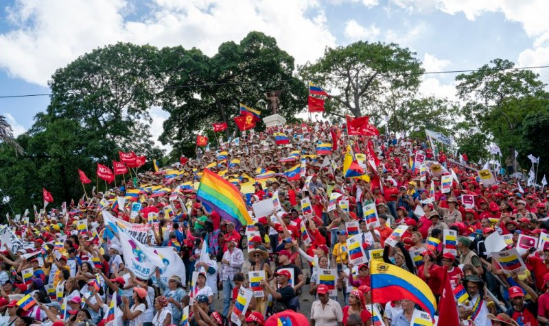 Venezuela-no-more-Trump-protest-stairs-of-El-Calvario.jpg