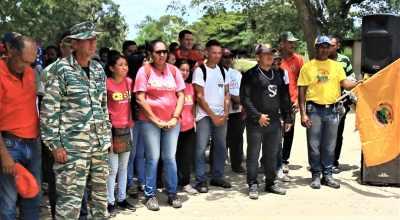 Local militia members also turned out. (Katrina Kozarek / Venezuelanalysis.com)