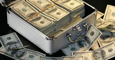 Washington Gives Guaido $52M in Funding, Slaps Venezuela with New Sanctions