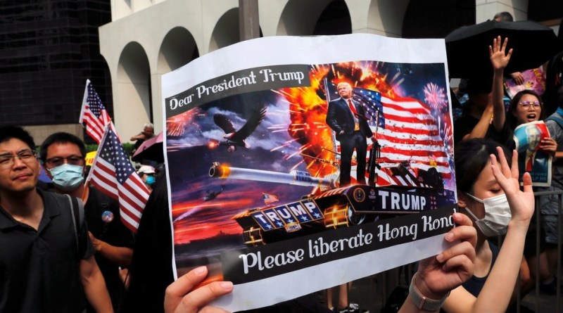 "Hong Kong Protesters Cozy up to US, ask to ""Liberate"" City Amid Ongoing Violence (Videos)"