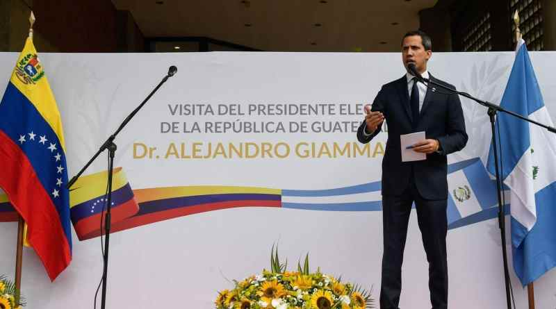 Guatemala's President-elect Traveling With Italian Passport Denied Entry by Venezuelan Authorities (Images)
