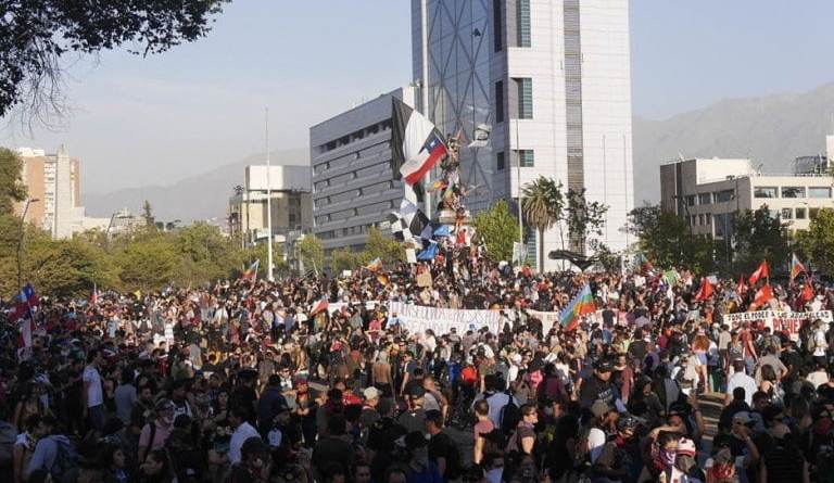 Chile's Great Avenues are Liberated and Opened Again