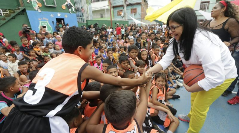 Delcy Rodriguez: Venezuelan Government has Distributed More Than 13 Million Free Toys This Christmas