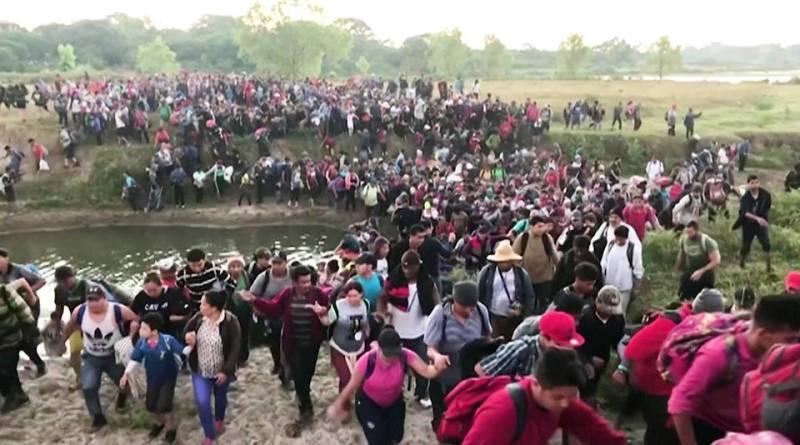 Mexican Soldiers Attack Central American Migrant Caravan, Arresting 800 (Video)