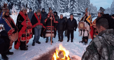 Palestinians stand in solidarity with the Wet'suwet'en nation