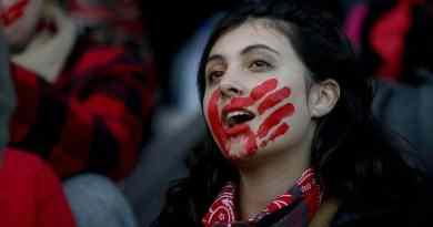 """Wet'suwet'en Supporters: """"Reconciliation is Dead and we Will #ShutDownCanada"""""""