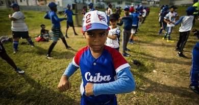 Cuba Resists